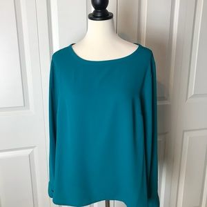 Stunning Nine West Blouse💚